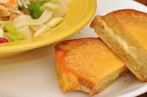 How to Video: Inside Out Grilled Cheese