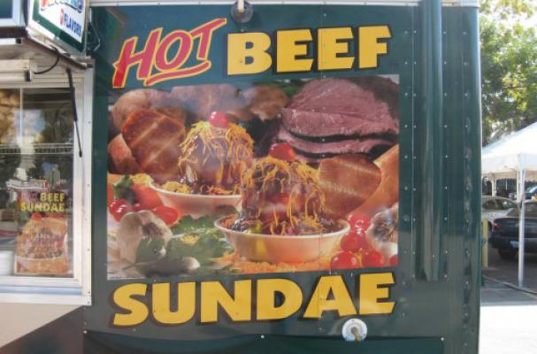 hot beef sundae sign