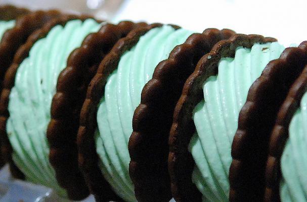 chocolate mint ice cream sandwiches