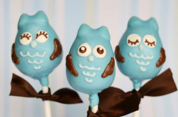 Blue Owl Cake Pops