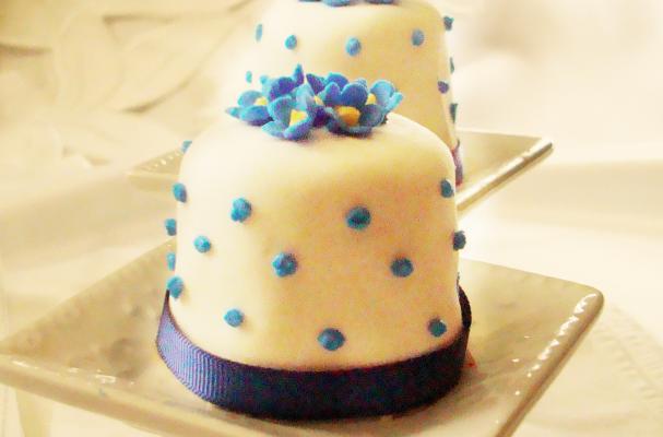 Gluten-Free Cherub Cakes