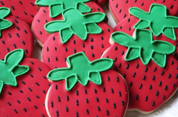 Summer Strawberry Cookies