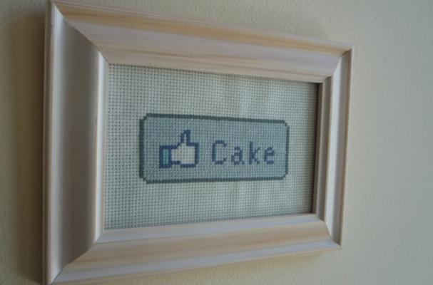 facebook-inspired cake cross-stitch