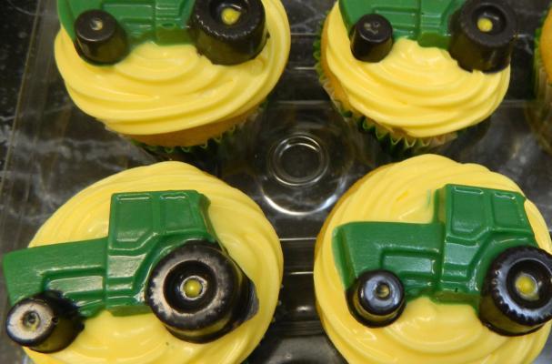 Foodista | John Deere Cupcake Toppers are Fantastic ...