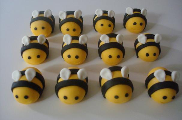 Bumblebee Cupcake Toppers