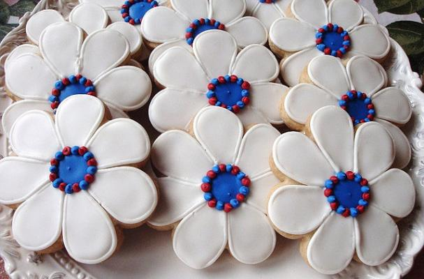 Foodista Patriotic Pretties Flower Cookies Are All
