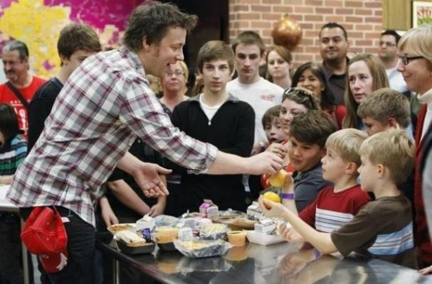 Jamie Oliver says Government is Reversing his Work with Healthy School Lunches