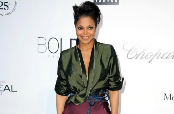 Ehen Did Janet Jackson Announce Her Tour Postponed