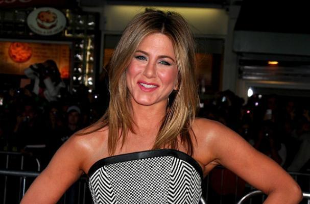 Foodista | Jennifer Aniston Drinks Non-Alcoholic Beer, Fuels Pregnancy ...