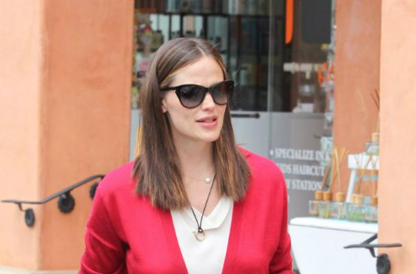 Jennifer Garner Taking Post-Baby Weight Loss Slow