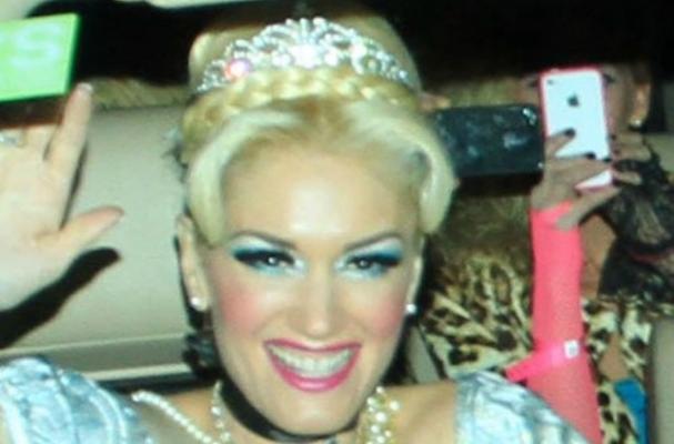 Gwen Stefani dressed up as Cinderella at Kate Hudson's Halloween party