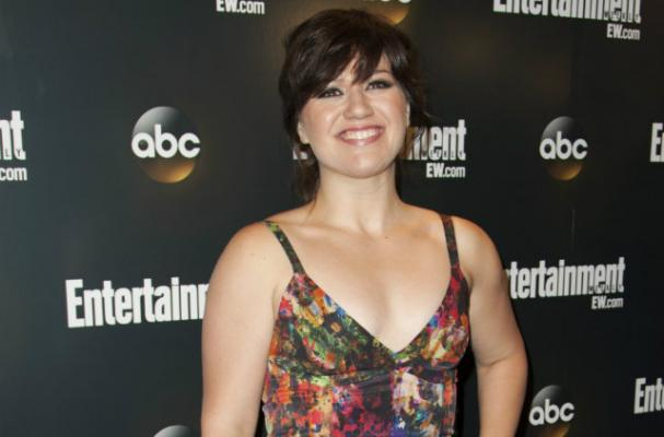 Kelly Clarkson is on a Portion-Controlled Diet