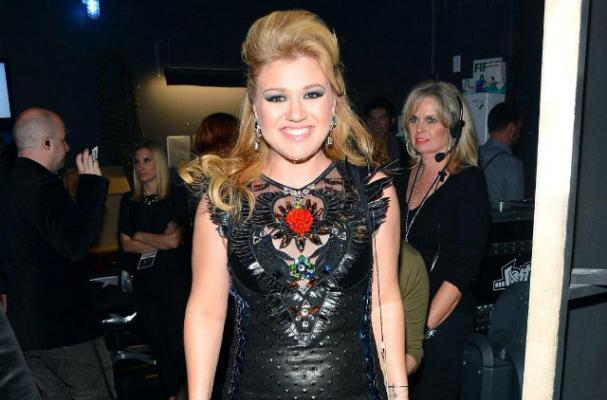 Mixologist Creates 'Stronger' Cocktail for Kelly Clarkson