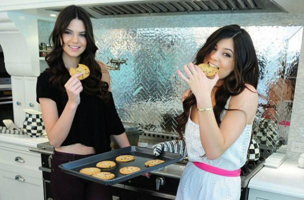Kendall and Kylie Jenner Pose With Freshly Baked Cookies