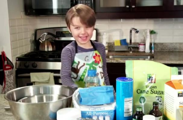 Adorable Kid Teaches How to Make Vegan Red Velvet Cupcakes