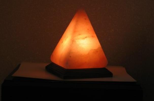 Foodista The Himalayan Salt Lamp Illuminates Sodium