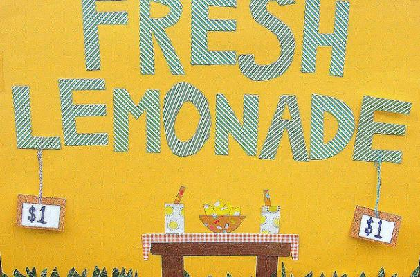 homemade fresh lemonade