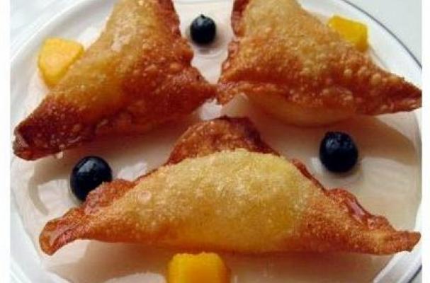 Fried dessert ravioli