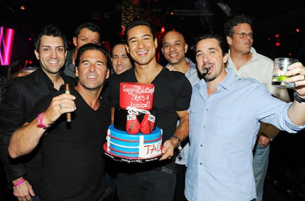 Mario Lopez Celebrates Bachelor Party With Boxing-Inspired Cake