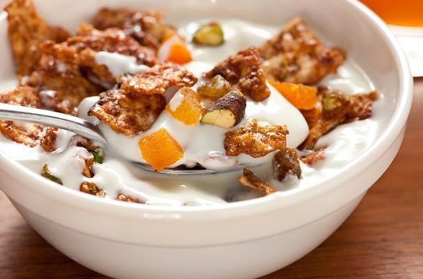 Apricot and Pistachio Matzo Granola