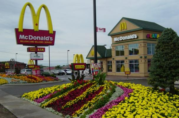Canadian McDonald's Restaurants to Put $1 Billion in Renovations