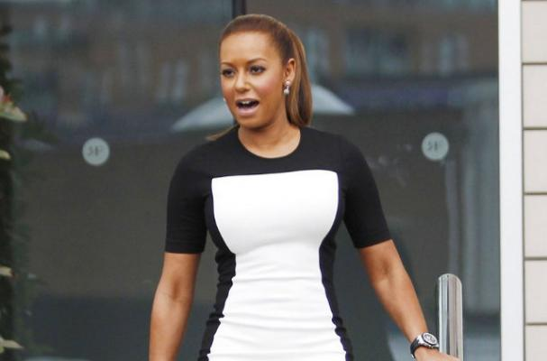 http://www.imnotobsessed.com/2012/06/05/mel-b-heads-out-for-uk-x-factor-auditions/#.ULMLu-Oe94U