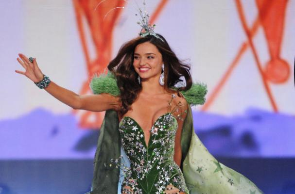 Miranda Kerr Turned to Green Juices to Prepare for Victoria's Secret Fashion Show