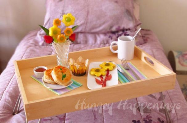 Foodista cooking with kids this flowery breakfast is for Mother s day breakfast in bed ideas