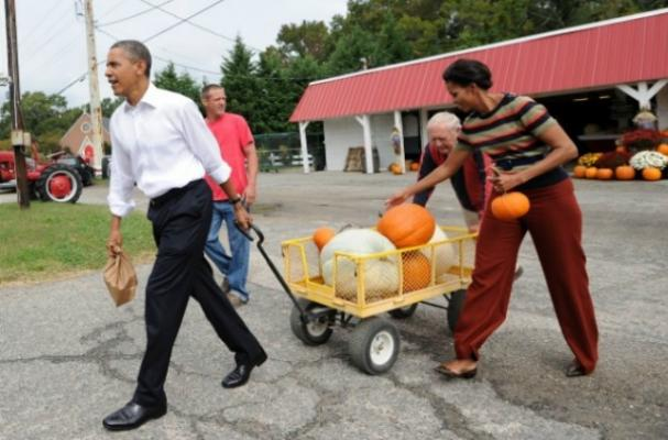 Michelle Obama Gives Out Fruit and Raisins on Halloween