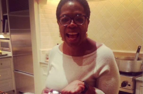 Oprah Shares Thanksgiving Meal with Twitter Followers