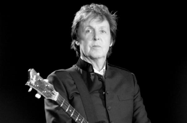 Paul McCartney served a vegetarian meal to his wedding guests.