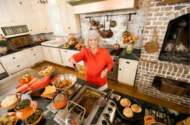 Paula Deen talks about Michelle Obama's eating habits
