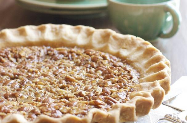 gluten free dairy free allergy friendly pecan pie for Thanksgiving