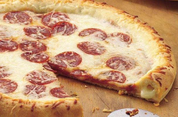 Foodista How To Make Stuffed Crust Pizza Just Like Pizza Hut