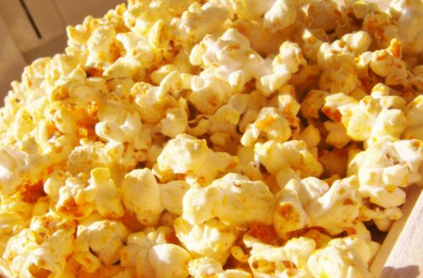 Oscar Worthy Recipes: Sriracha Lime Popcorn