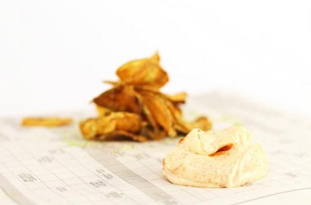 Herb Salt Potato Chips & Sriracha Dip