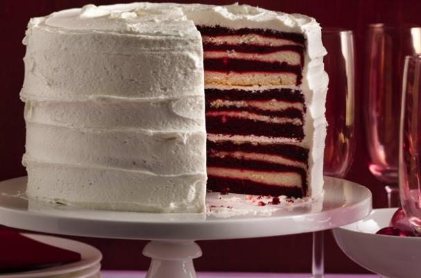 Foodista The 18 Layer Red Velvet Cake Is An Impressive