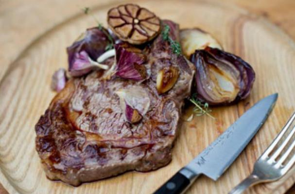 Rib Eye Steak with Red Onion