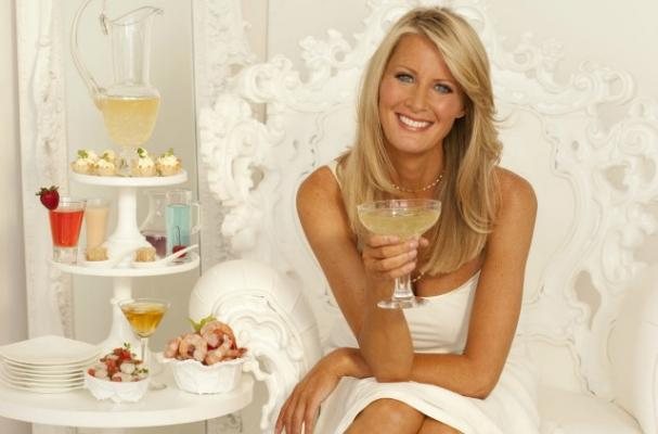 Sandra Lee Reveals the Food Network Said No Alcohol