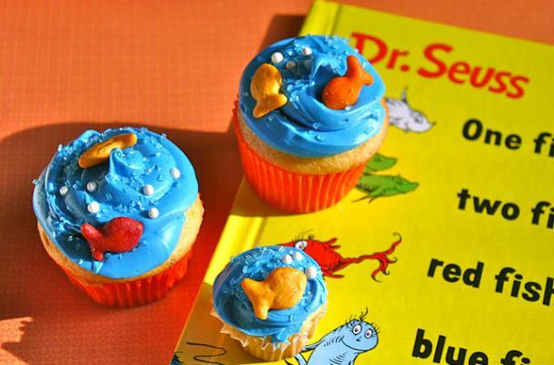 Dr Seuss Themed Deluxe Birthday Cake Topper Set