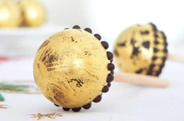 Single Malt Golden Chocolate Lollipops