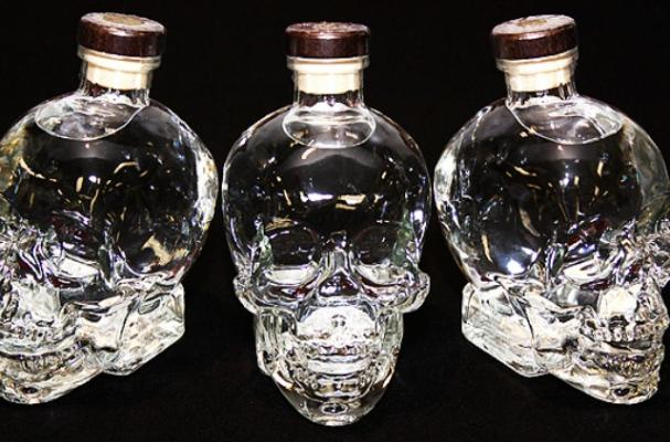 Crystal Head Vodka With  Shot Glasses