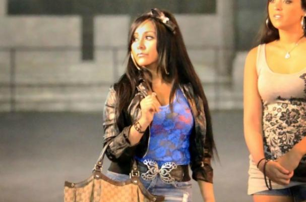 Snooki Loves Carbs in Italy