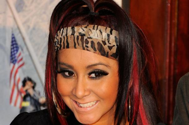 Snooki Tweets About Eating Breakfast As a New Mom