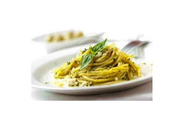 Meatless Monday: Garlic Spaghetti with White Wine Reduction