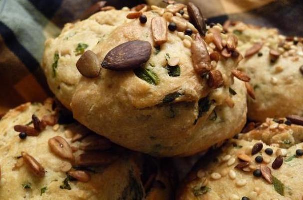 Spinach Coriander Chive Bread
