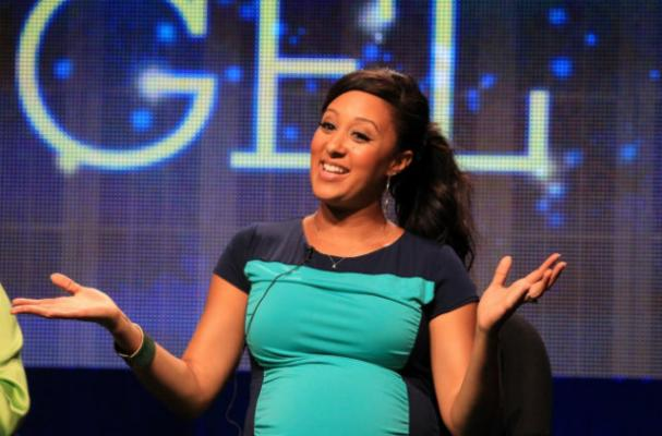 Pregnant Tamera Mowry Indulges Sweet Tooth