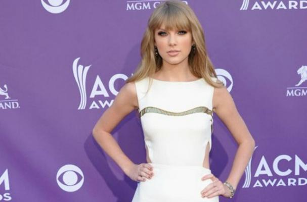 Taylor Swift Asks Dr. Oz for Healthy Snack Tips