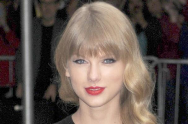 Taylor Swift Leaves $500 Tip at Philadelphia Restaurant