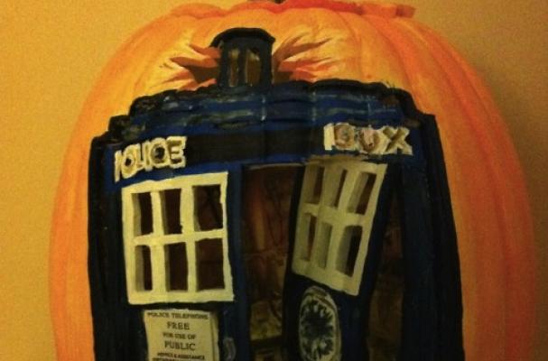 TARDIS Jack-o'-Lantern